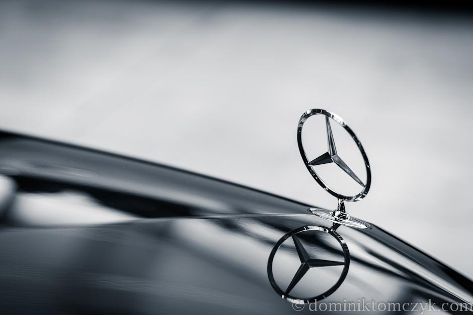 Mercedes-Benz, samochód, car, salon samochodowy, car showroom, Kraków, Nikon D700, znak, logo, sign Mercedes