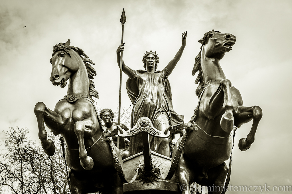 rydwan, Londyn, Chariot statue in London, London, Boadicea, Boudica, Westminster Bridge, UK, Queen of the Iceni, Thomas Thorneycroft, Londinium, Boudica Statue, statua Boudica, statua Boudika, statua Boadicea, królowa Icenów, rydwan konny, chariot racing, Boudika, postrach Rzymian, the terror of the Romans