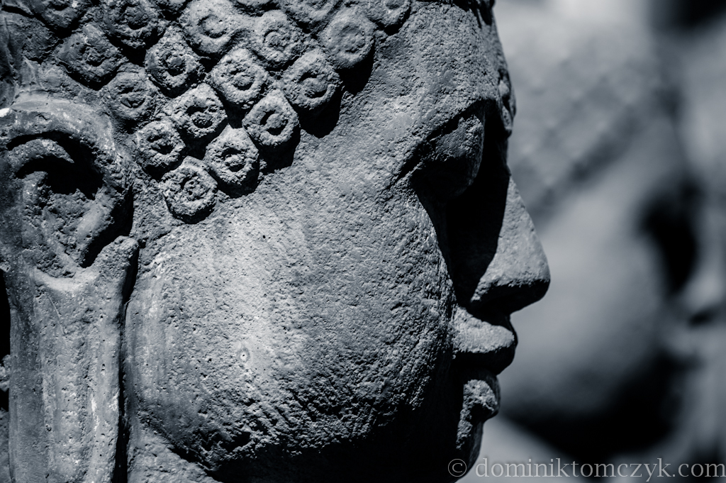 SzaraWilla, hotel, Opole, rzeźba, sculpture, sculptures, #Szara Willa, villa, trzy głowy, #trzygłowy, three head, #threehead